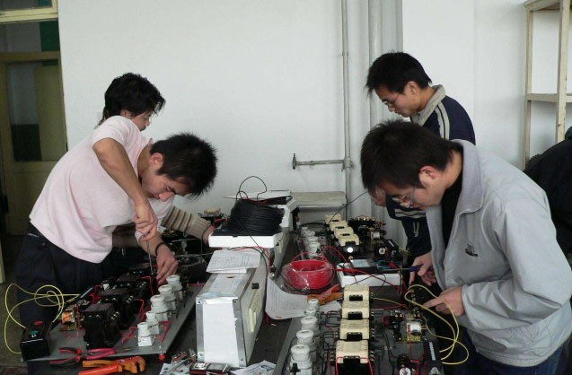 初级电工基础培训班