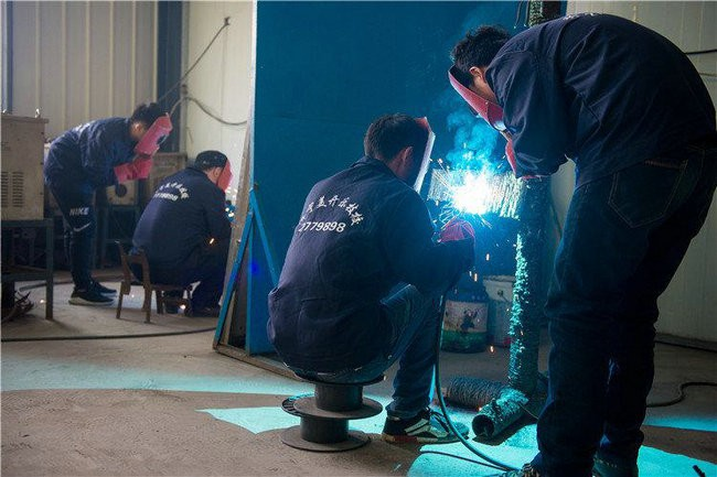 初级电焊班
